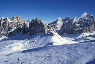 Cortina-ski-resort_2368983b