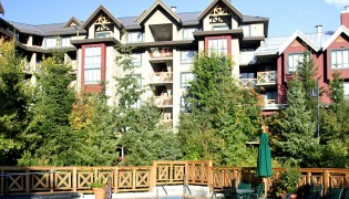 Delta-Whistler-Village-Suites_slide-00