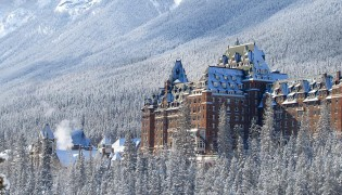 Fairmont-Banff-Springs-Hotel_slide-01