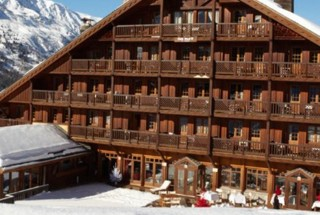 ClubMed-Meribel-Chalet_slide-01